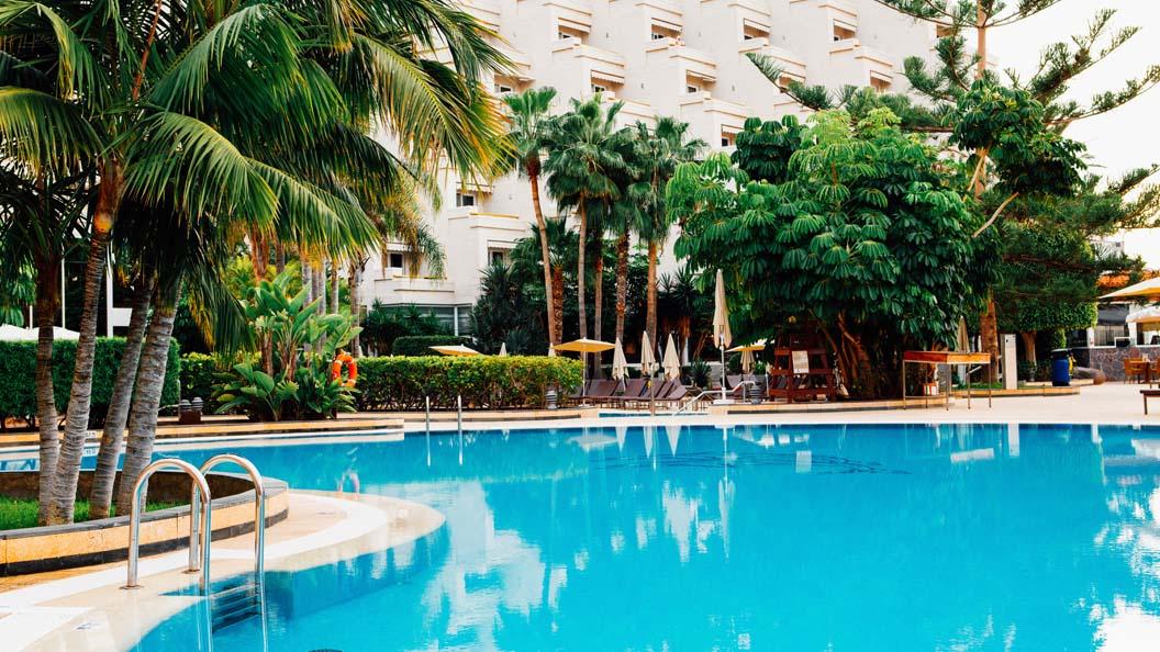 03_piscinas_centrales_1056x594
