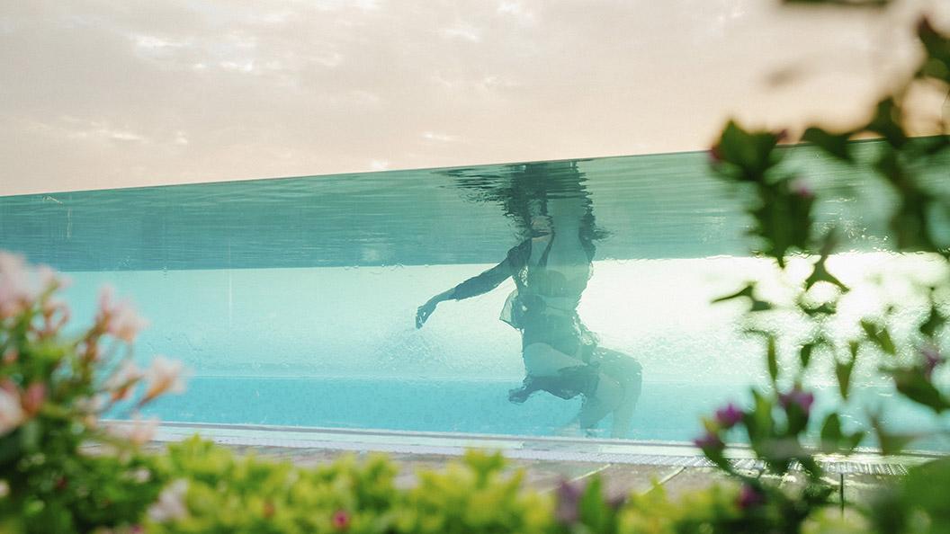 6_piscina infinity_2_1056x594